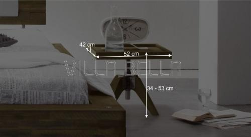Höhenverstellbarer Nachttisch Cadro aus massiver Akazie